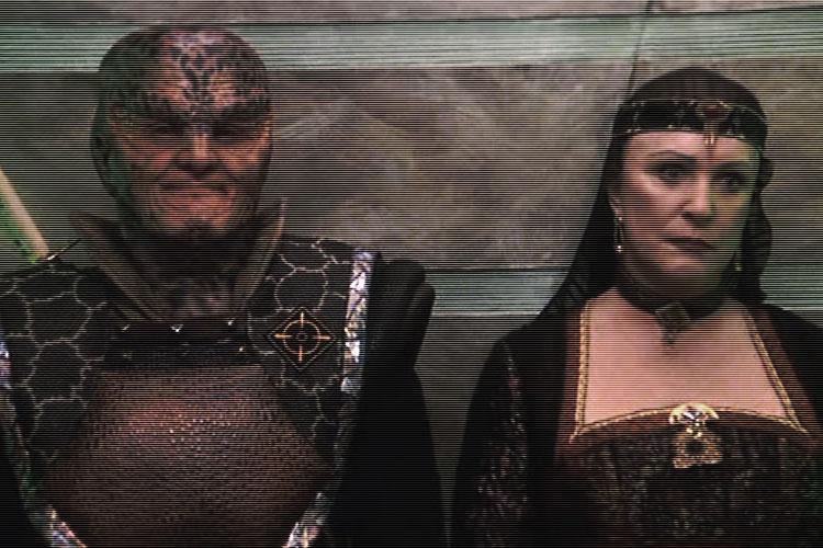 Nar-Wache mit Centauri Frau - Erbfeinde