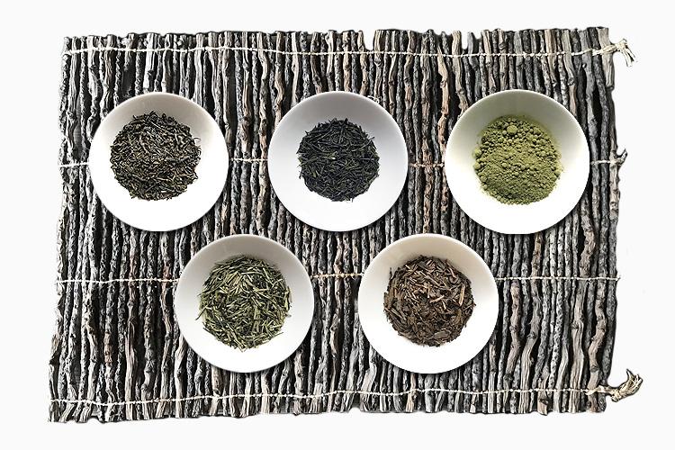 Grüner Darjeeling GFOP, Kukicha, Gyokuro, Houjicha, Matcha (von links)